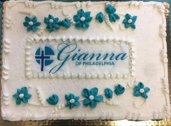 Gianna Center cake